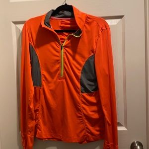 Size large running top